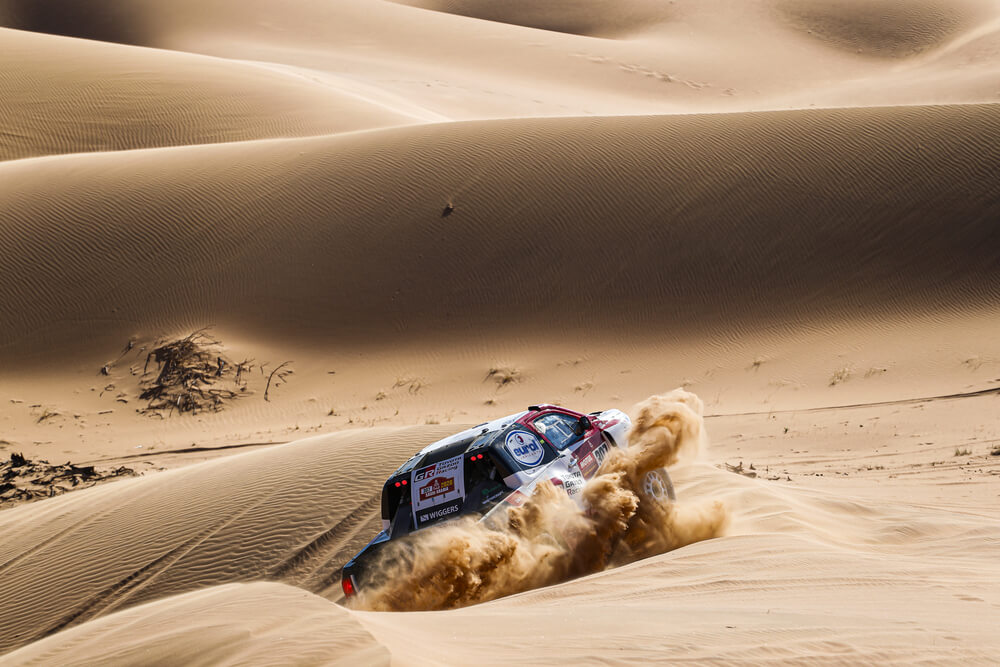 307 Ten Brinke Bernhard (nld), Colsoul Tom (bel), Toyota Hilux, Toyota Gazoo Racing, Auto, Car, action during Stage 7 of the Dakar 2020 between Riyadh and Wadi Al-Dawasir, 741 km - SS 546 km, in Saudi Arabia, on January 12, 2020 - Photo Frederic Le Floc'h / DPPI