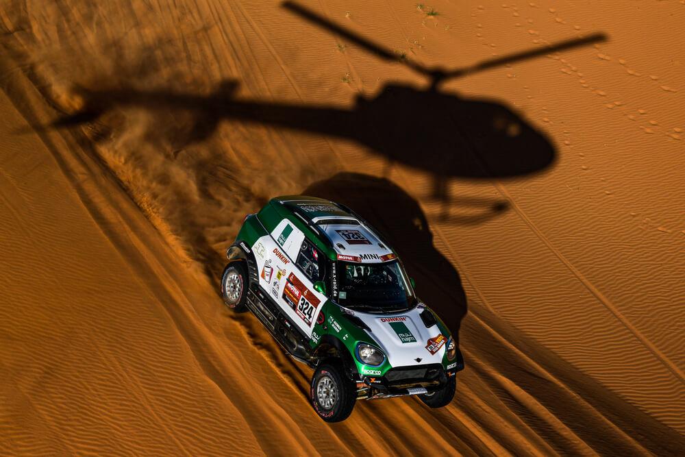324 Seaidan Yasir (sau), Kuzmich Alexy (rus), Mini, Race World Team, Auto, Car, action during Stage 7 of the Dakar 2020 between Riyadh and Wadi Al-Dawasir, 741 km - SS 546 km, in Saudi Arabia, on January 12, 2020 - Photo Eric Vargiolu / DPPI