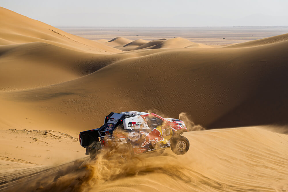 300 Al-Attiyah Nasser (qat), Baumel Matthieu (fra), Toyota Hilux, Toyota Gazoo Racing, Auto, Car, action during Stage 7 of the Dakar 2020 between Riyadh and Wadi Al-Dawasir, 741 km - SS 546 km, in Saudi Arabia, on January 12, 2020 - Photo Frederic Le Floc'h / DPPI