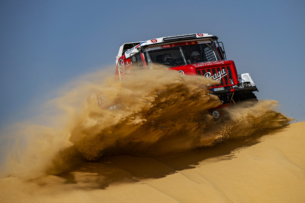 502 Loprais Ales (cze), Pokora Petr (cze), Alkendi Khalid (are), Praga, Instaforex Loprais Team, Truck, Camion, action during Stage 10 of the Dakar 2020 between Haradh and Shubaytah, 608 km - SS 534 km, in Saudi Arabia, on January 15, 2020 - Photo Florent Gooden / DPPI