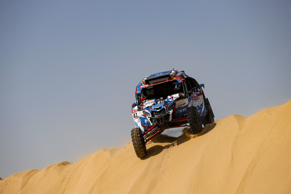 411 Kariakin Sergei (rus), Vlasiuk Anton (rus), BRP, Snag Racing Team, SSV, action during Stage 10 of the Dakar 2020 between Haradh and Shubaytah, 608 km - SS 534 km, in Saudi Arabia, on January 15, 2020 - Photo Florent Gooden / DPPI