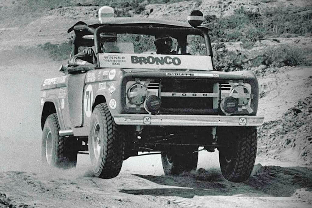 Rod-hall-Ford-bronco-baja-off-road