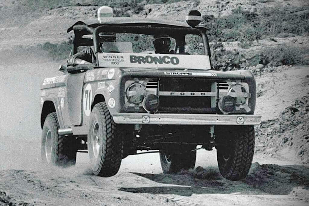 Rod hall Ford bronco baja off road x